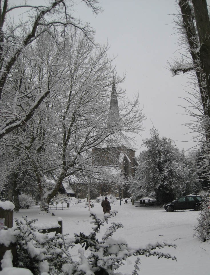 Snow in Banstead in Jan. 2010 - All Saints Church