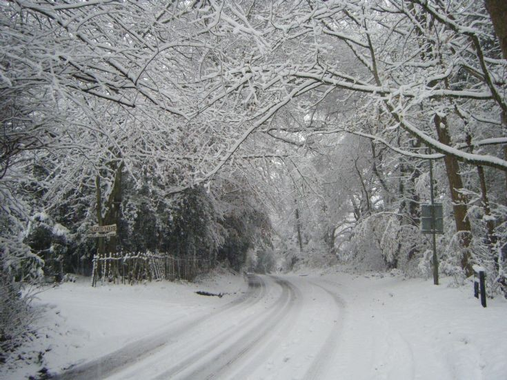 Banstead - Park Road in the snow