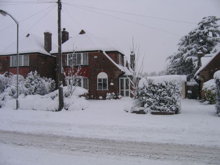 38 Tattenham Way snowfall