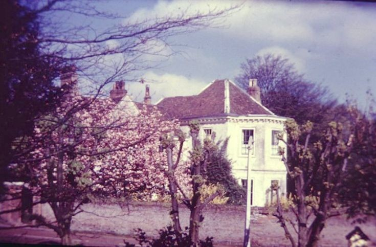 Well House in Banstead Village