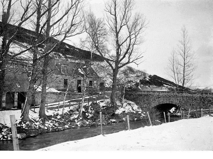 126 Glenbuchat Old Bridge and Bridge Cottage