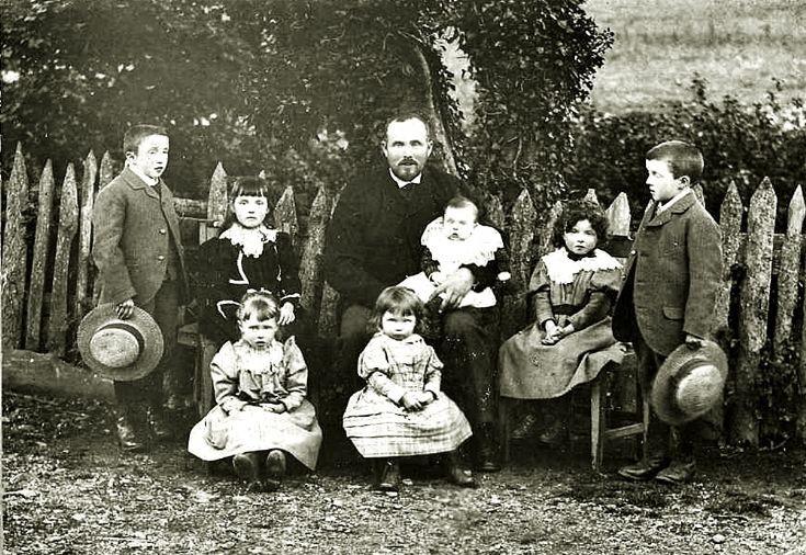 11 John Stewart and Family Glenbuchat Mill c1890