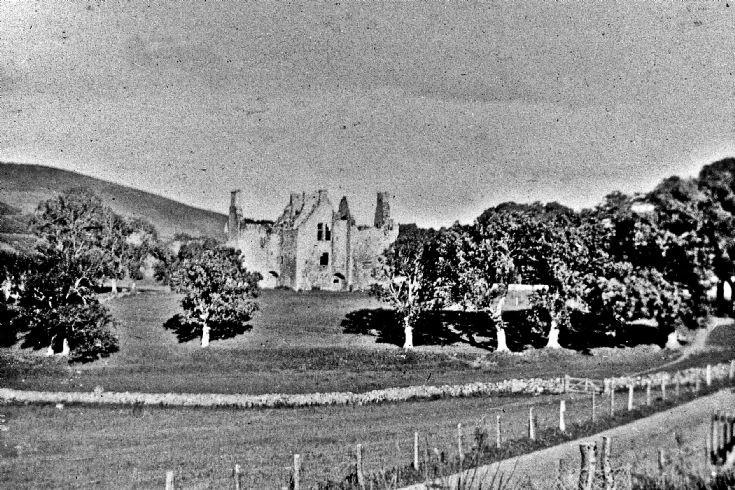 105 Glenbuchat Castle