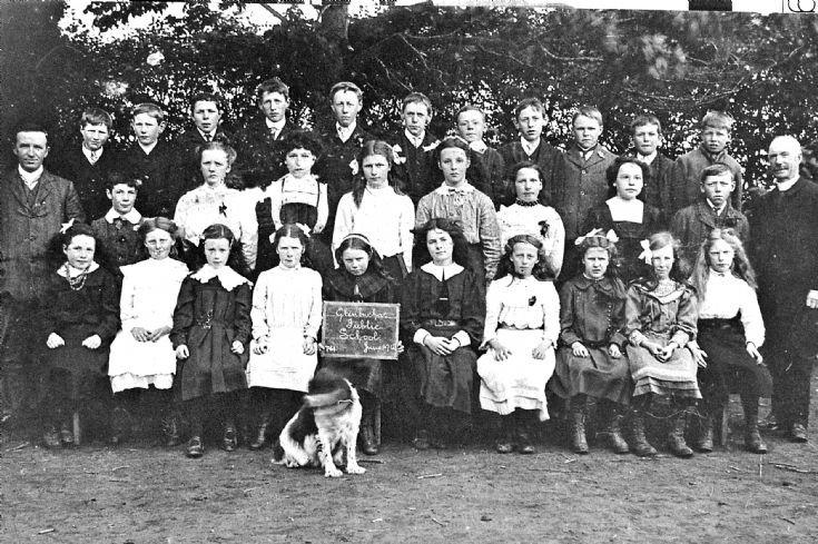 77 Glenbuchat School 1912