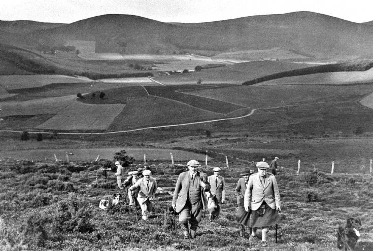 81 Col George Milne and Shooting Party Glenbuchat
