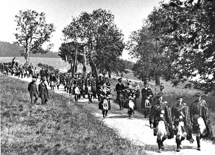 90 Lonach men marching from Colqhhonnie