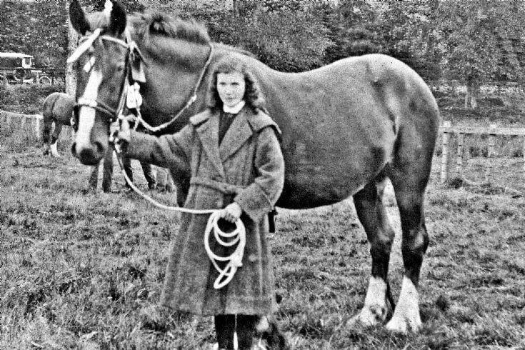 103 Leah Davidson Nee Hay with Horse Glenbuchat