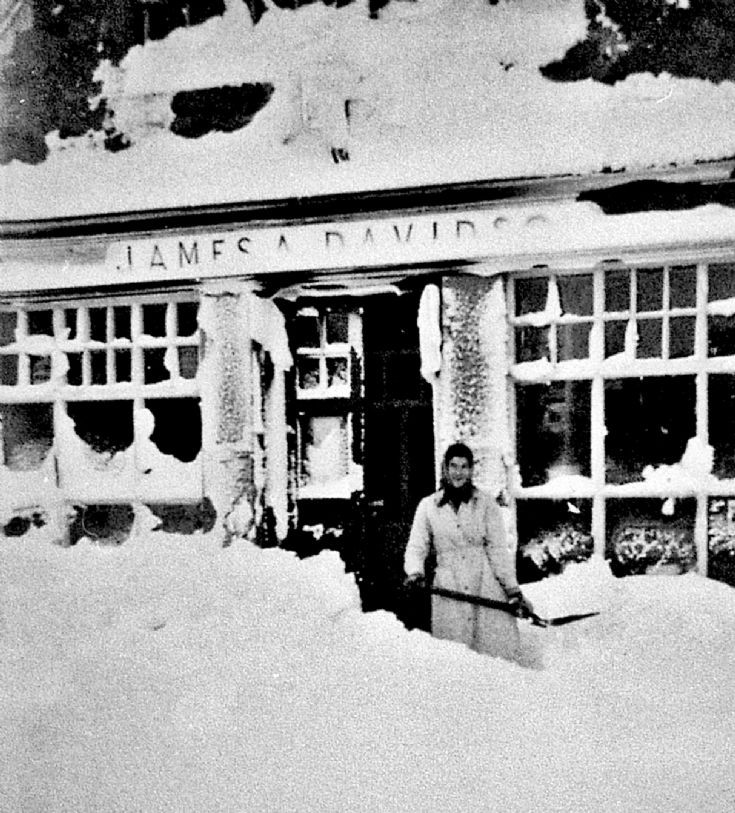129 Snow at Shop at Craigton Glenbuchat