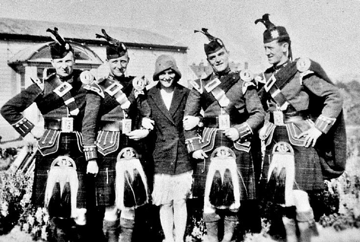 169 Girl and the Highlanders Strathdon