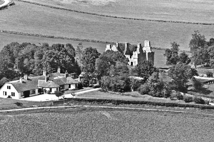 3 Glenbuchat Castle and Lower Lodge