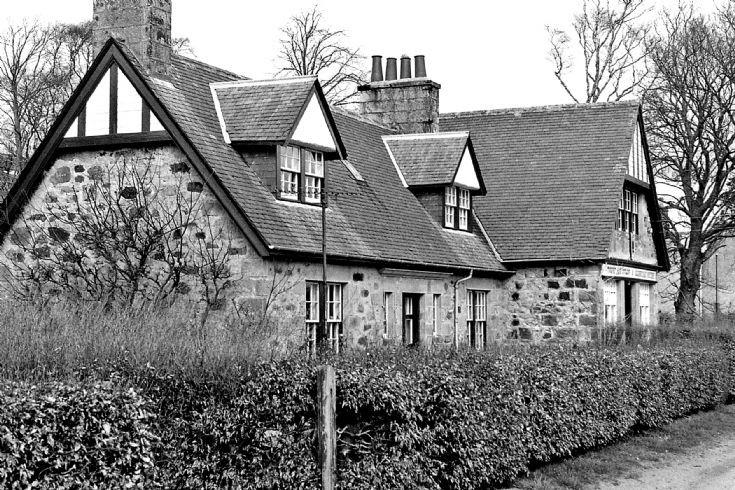 35 Altnacraig Cott and Ols Shop Glenbuchat c1980