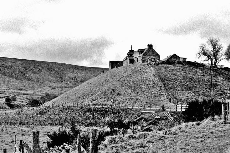 37 Dulax Farm house Glenbuchat c1980