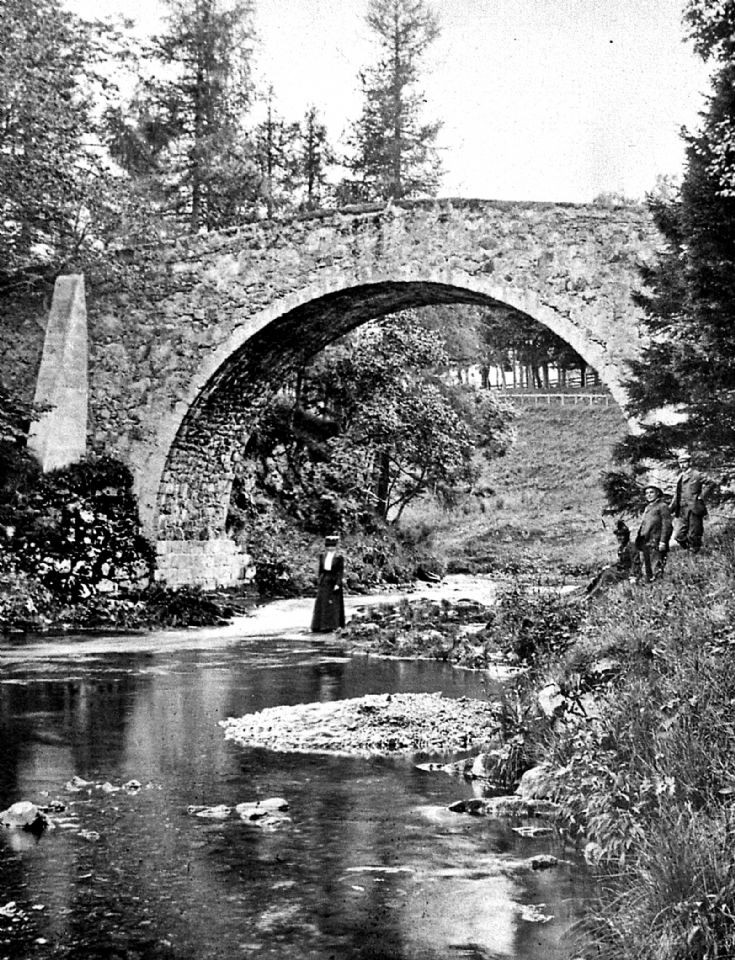 6 Strathdon Slides - Poldhullie Bridge c1910