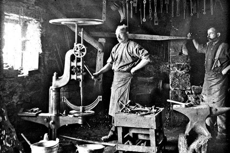 13 Strathdon Slides - Blacksmith