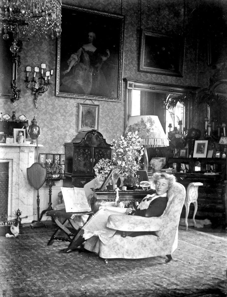 34 Lady Forbes atCastle Newe c 1910