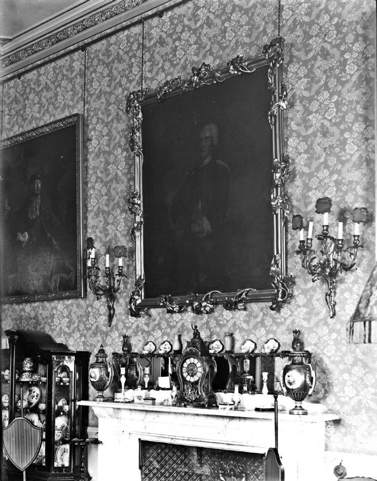 35 Mantlepiece nCastle Newe c 1910