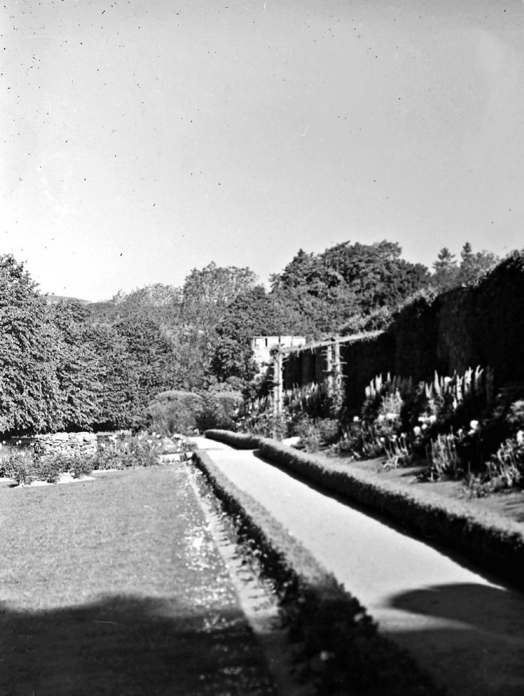 44 Garden at Castle Newe c 1910