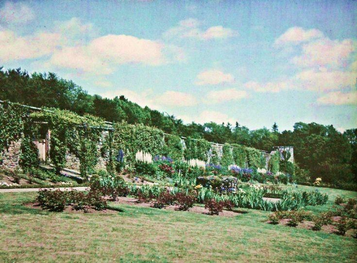 65 Castle Newe Garden c 1910