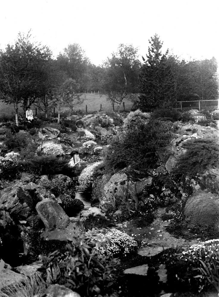 70 Castle Newe garden c 1910
