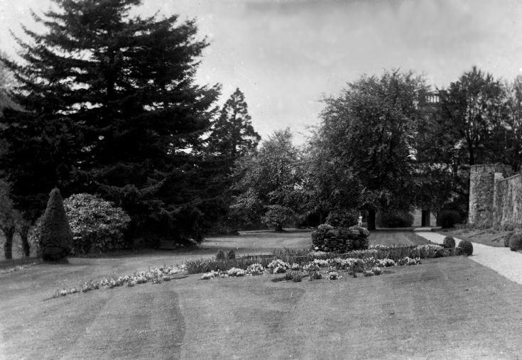 74 Castle Newe Garden c 1910