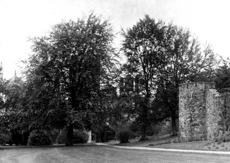 75 Castle Nrewe Garden c 1910