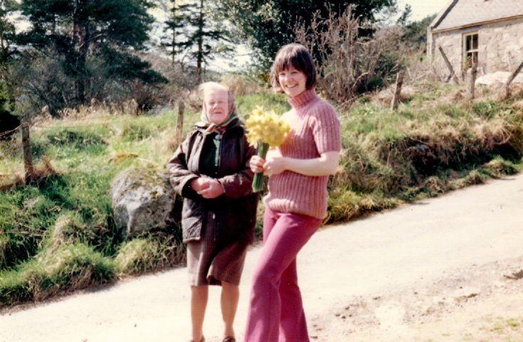 111 Nan Murdoch and Margaret Duffus