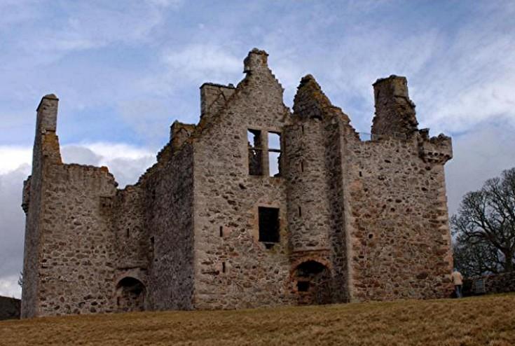 48 Glenbuchat Castle
