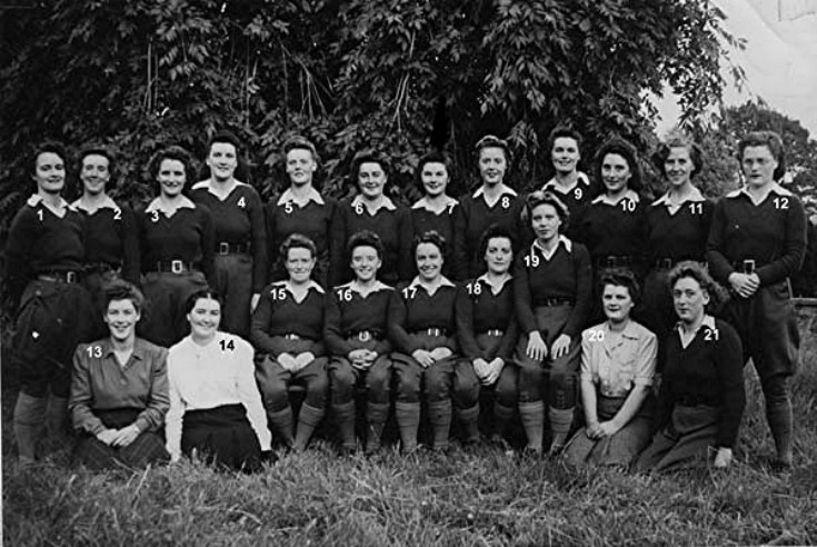 40 Lumber Jills at Glenkindie House 1942