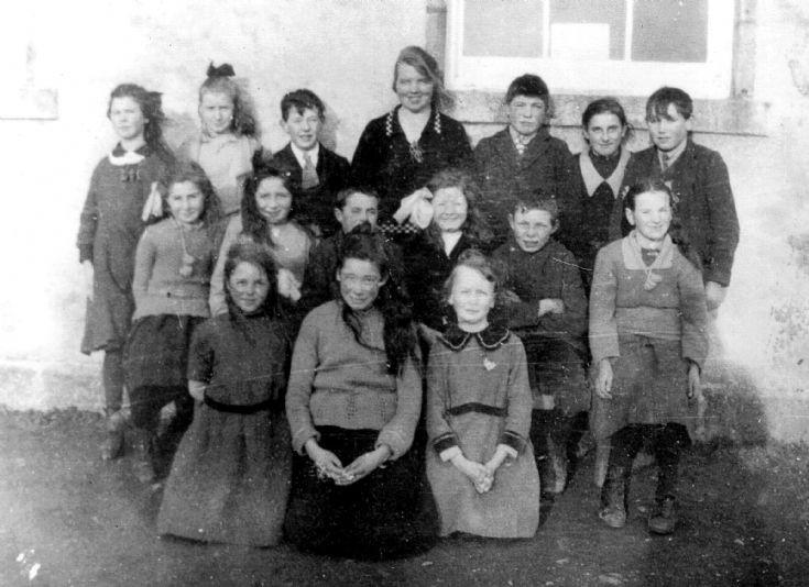 44 Glenbuchat School ?1952