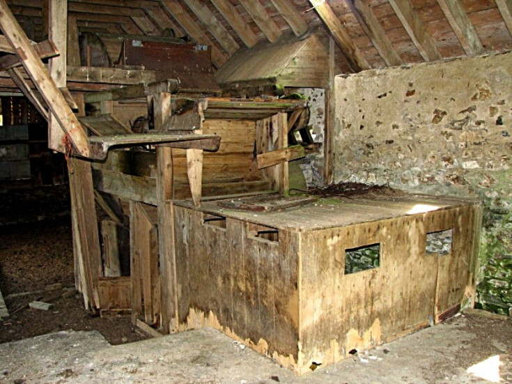 27 Badenyon Farm steading - Threshing Machine