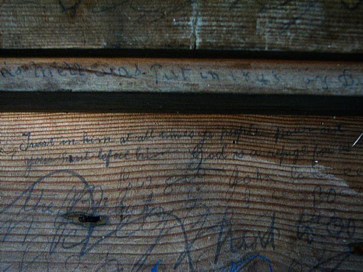 28 Badenyon, Writing on threshing machine
