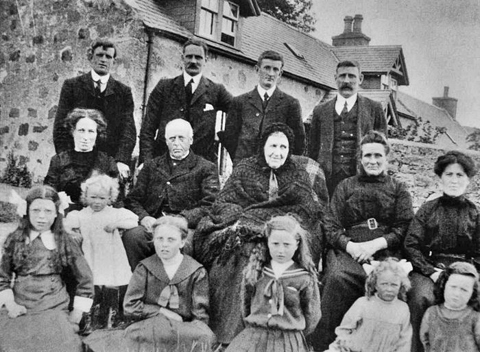 67 Cameron Family Sunnybrae