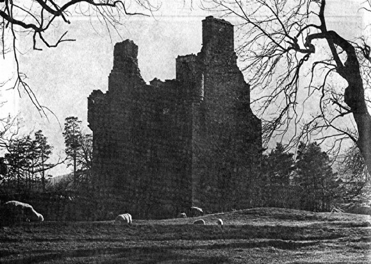14 Glenbuchat Castle