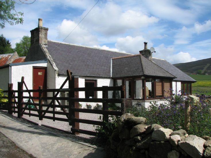 87 Balnagowan Cottage