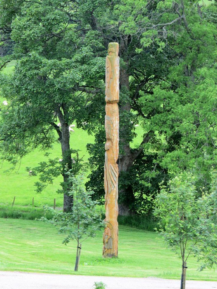 91 Colqhhonny Totem Pole