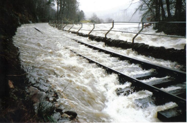 Flooding of Railway Line 1977 ?
