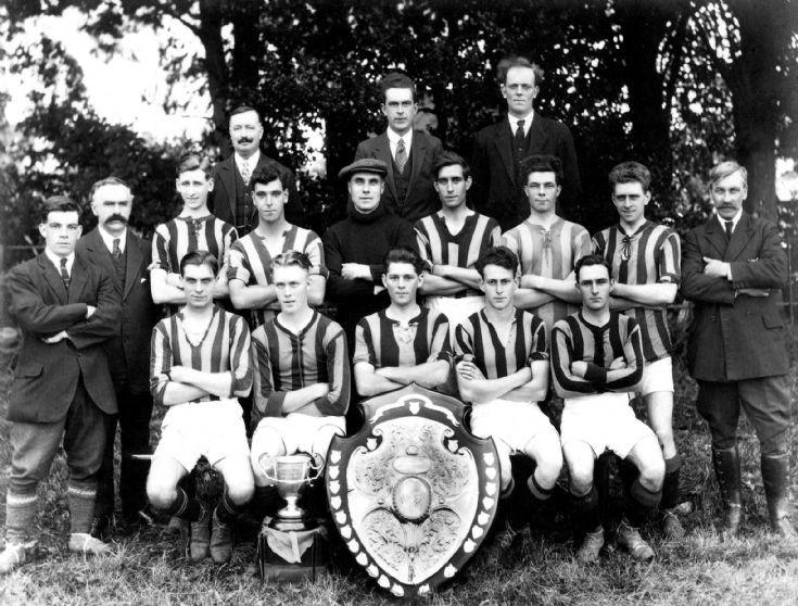 Handcross football team 1932