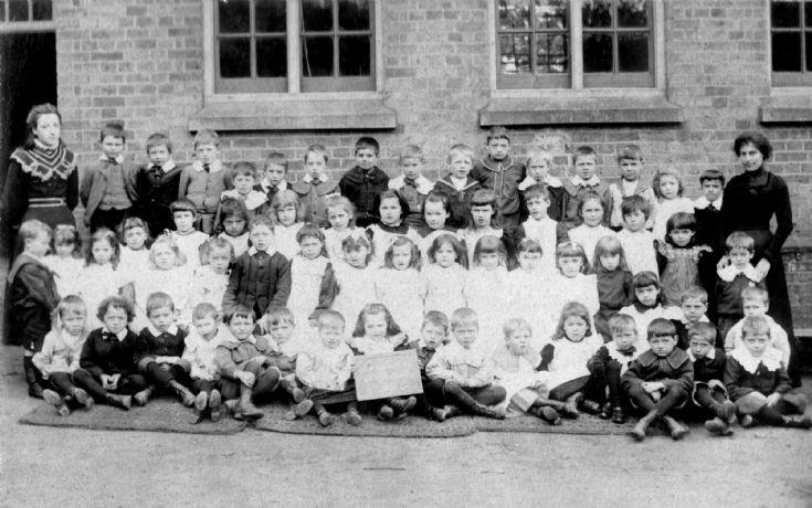 Handcross school in 1901