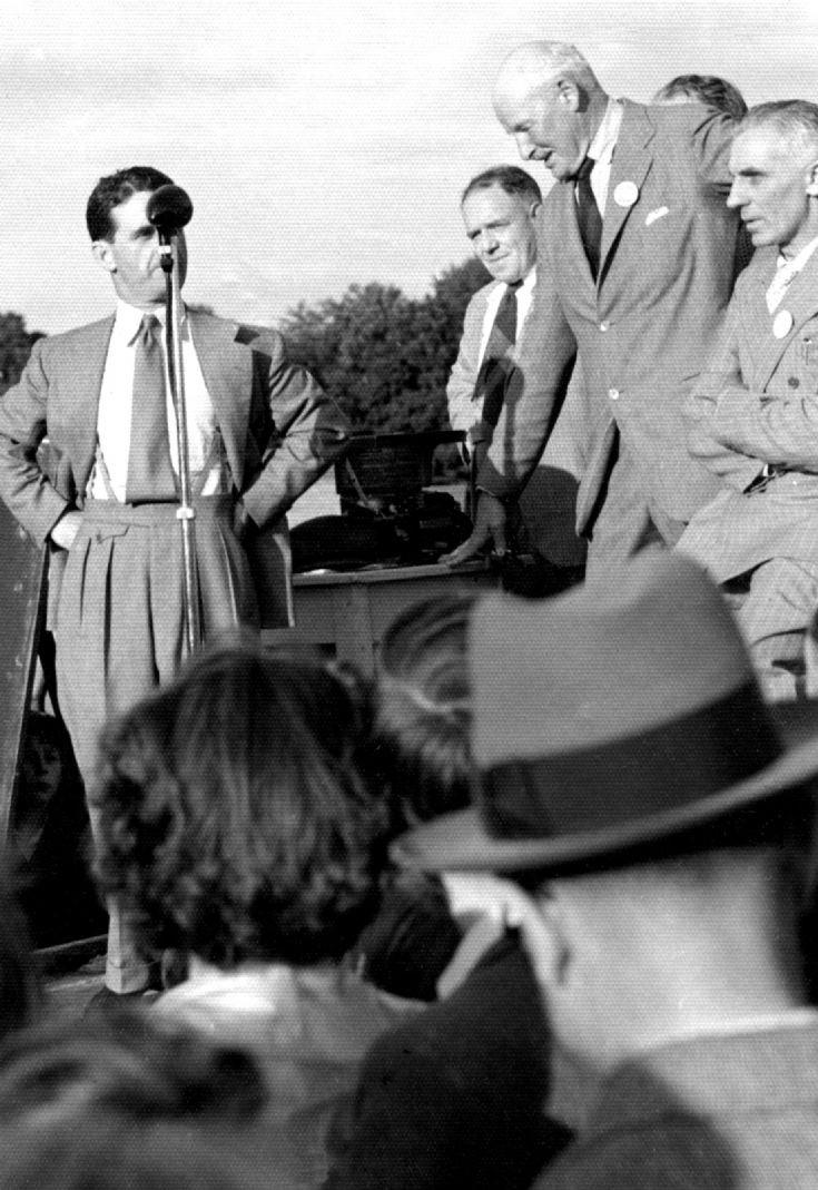 Sir Gordon Richards at Carthorse Derby 1951