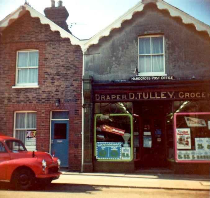 Tulleys Stores, Handcross
