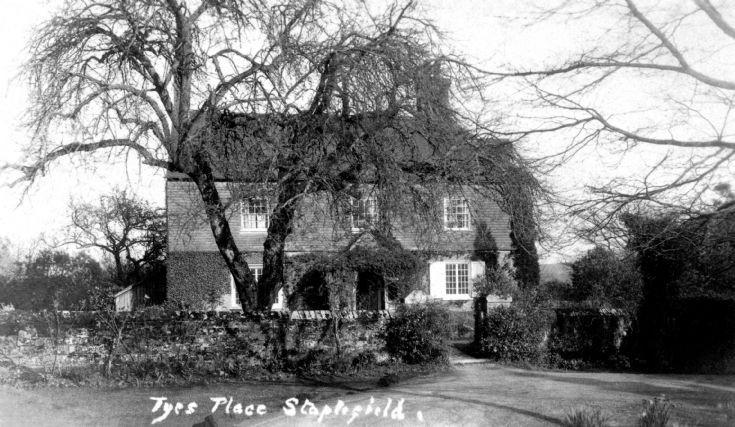 Tyes Place, Staplefield