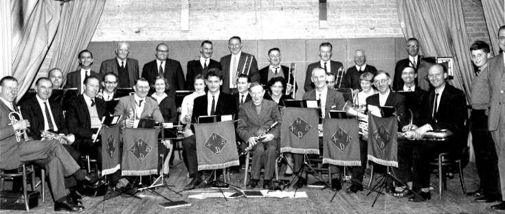 Handcross Dance Band
