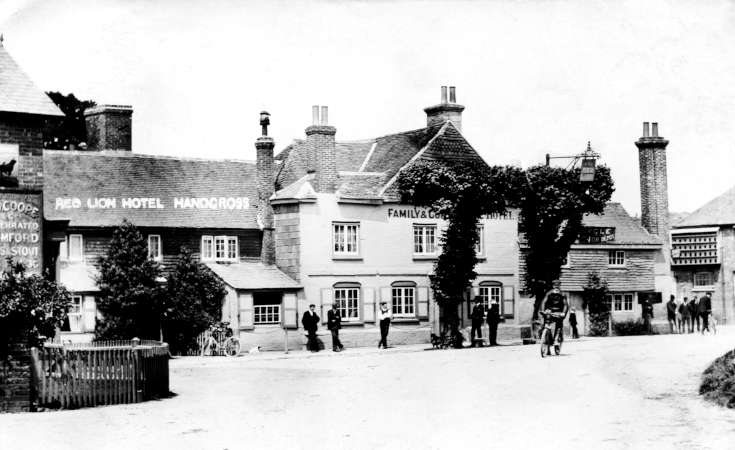 Red Lion, Handcross with people and postman