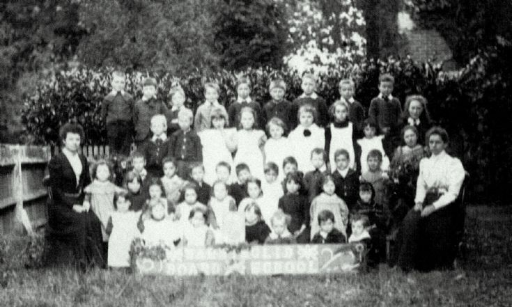 Warninglid School group photograph