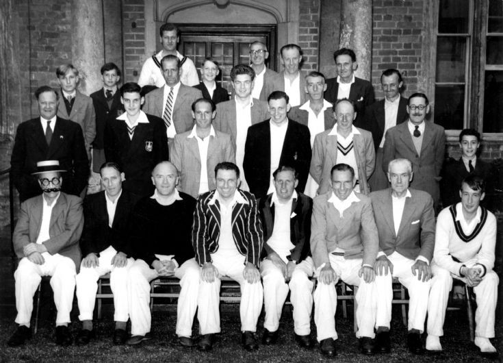 Staplefield cricket team versus Ashfold School