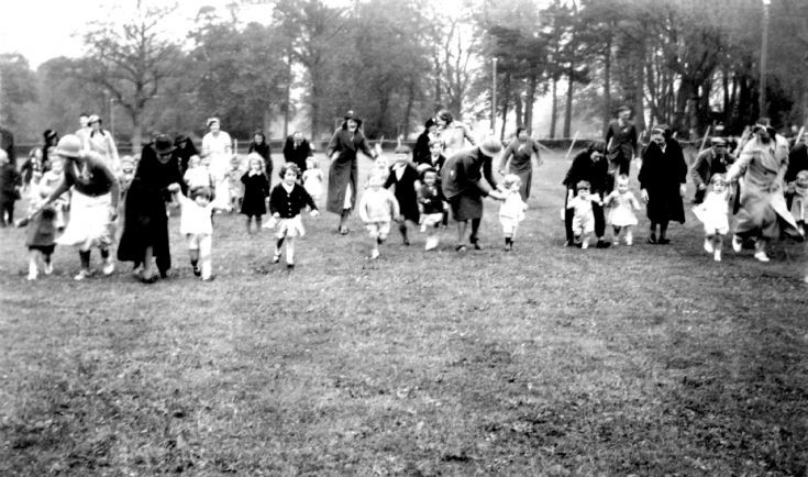 Coronation of George VI - Toddlers' race