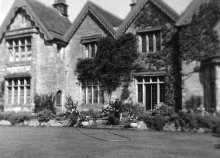 Gardener at the Hyde, Handcross