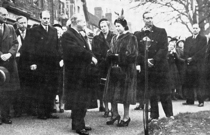 Princess Elizabeth visits Crawley and Broadfield