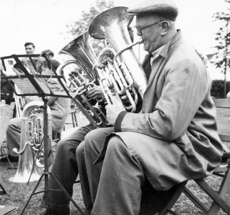 Coronation procession (3 of 4) - Brass band