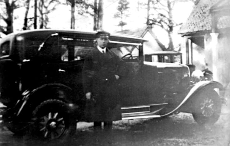 Chauffeur at Old Park, Warninglid